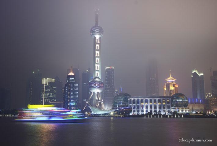 Shanghai, The Bund - nuove frontiere per i giovani italiani